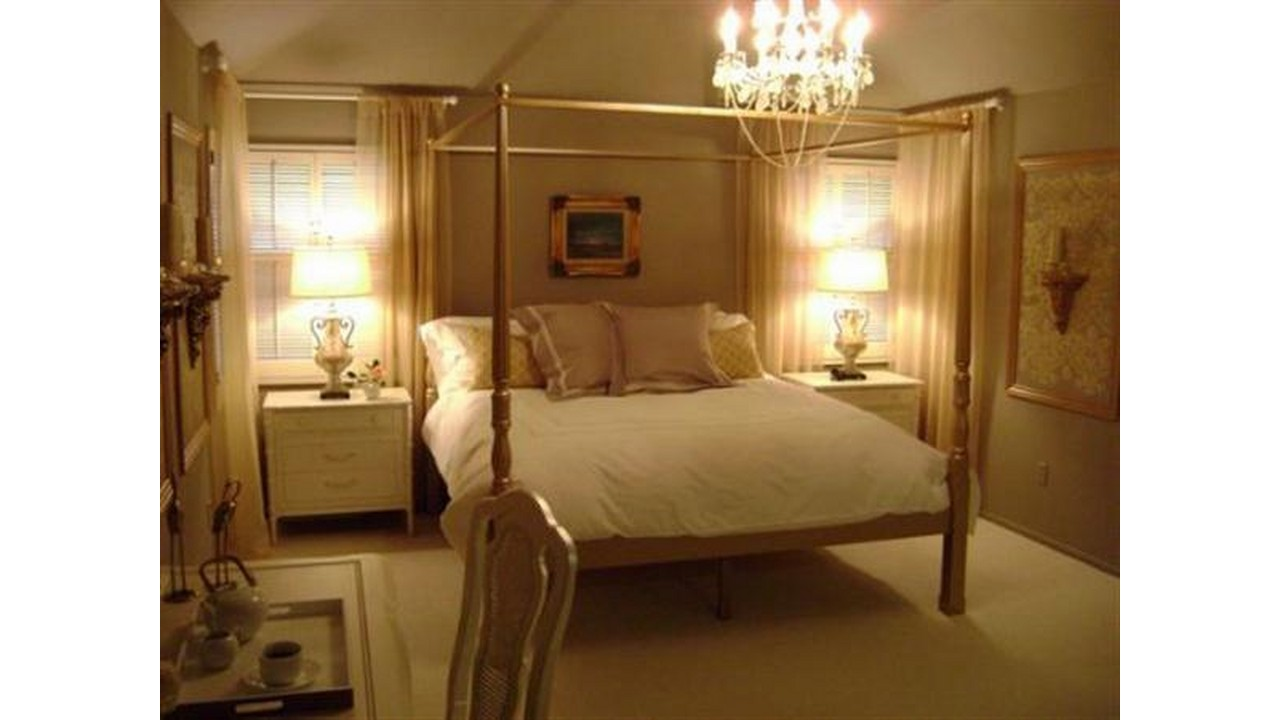 Kamar tidur klasik lampu kristal