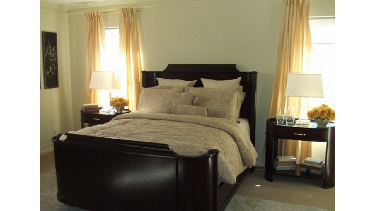 Kamar tidur klasik ranjang besar